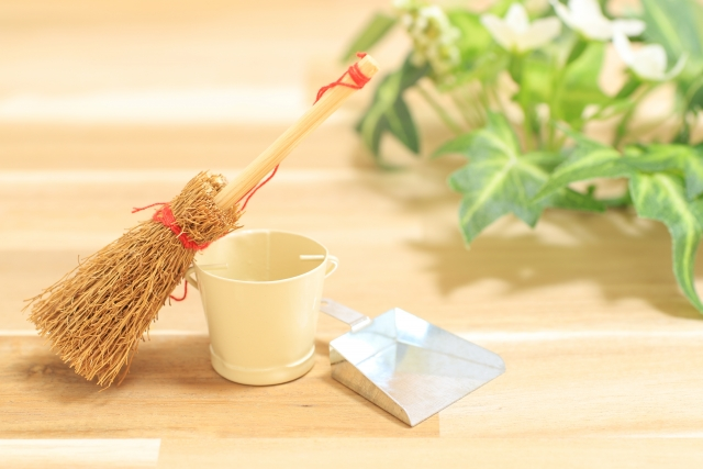 年末年始に大掃除をするのはなぜ?大掃除の意味と由来、ポイント